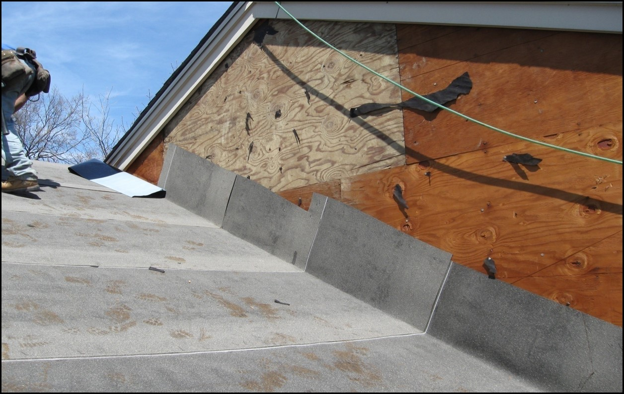 home roofing services replacing roof insulation